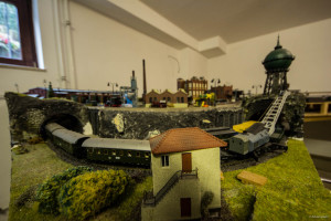 Model railroad: signal tower